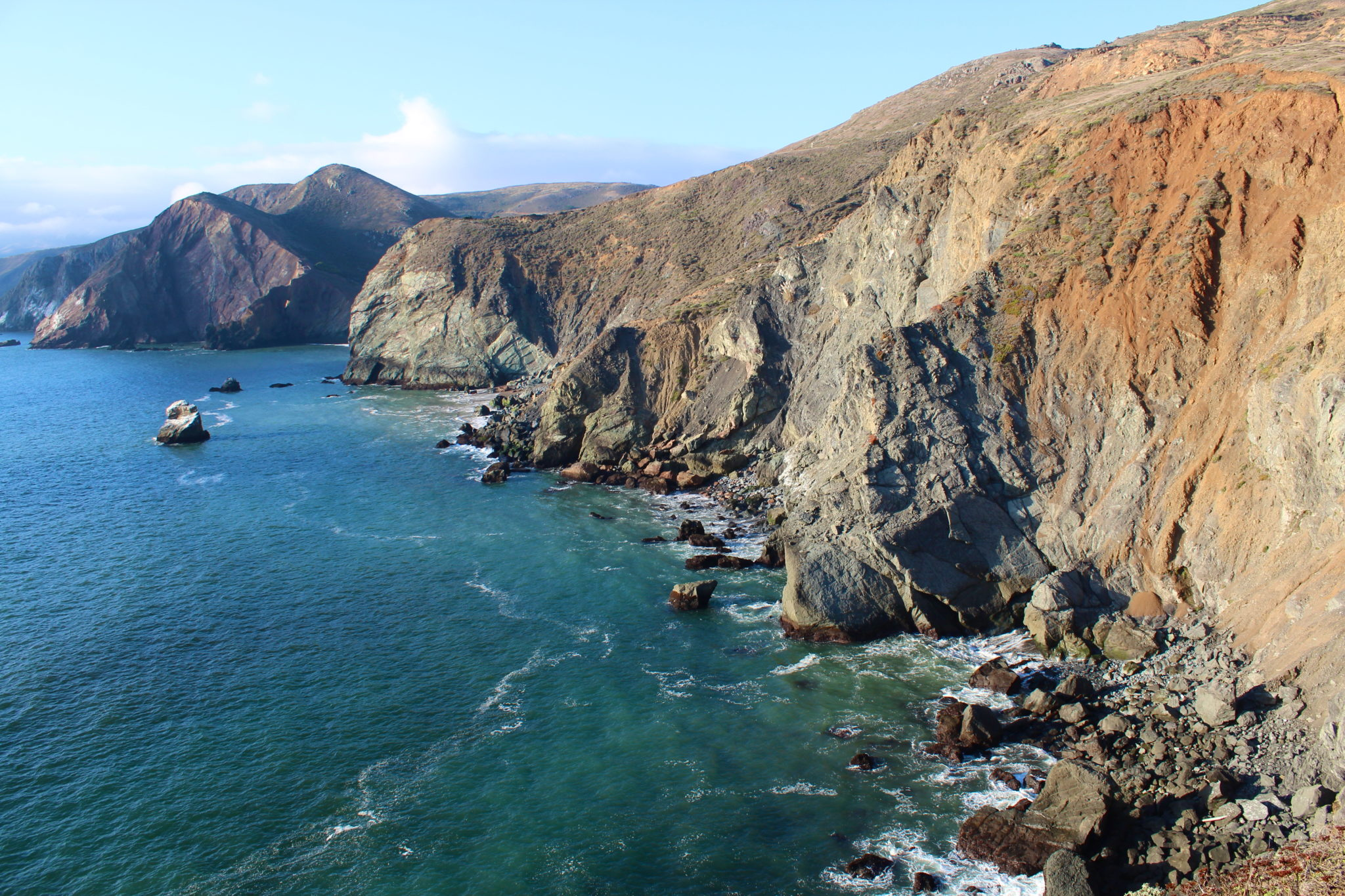 Beyond-San-Francisco-Tour-Marin-Headlands-Coastal-Cliffs