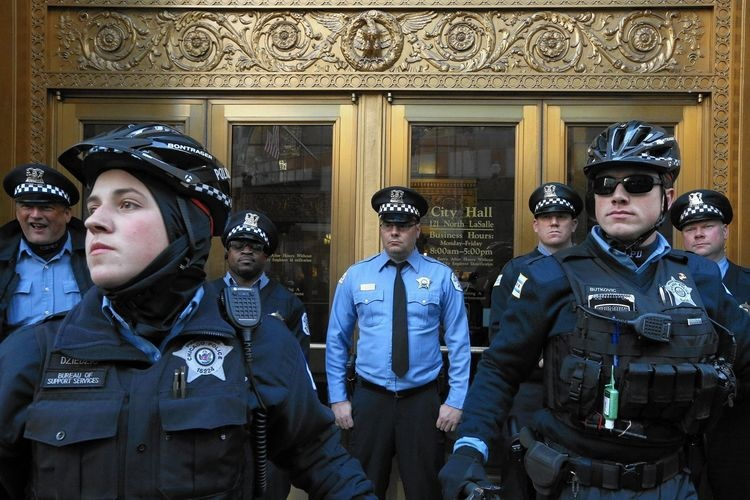 ct-chicago-police-civil-rights-probe-met-20151212