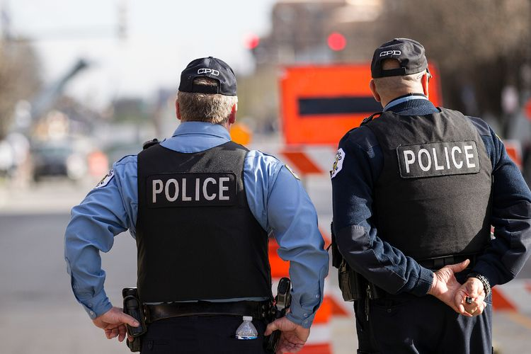 chicago-police-officers_1467991786420_1551476_ver1-0