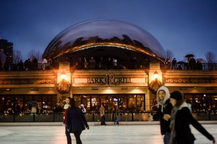 chicago-surprise-marriage-proposal_2_low-560x372