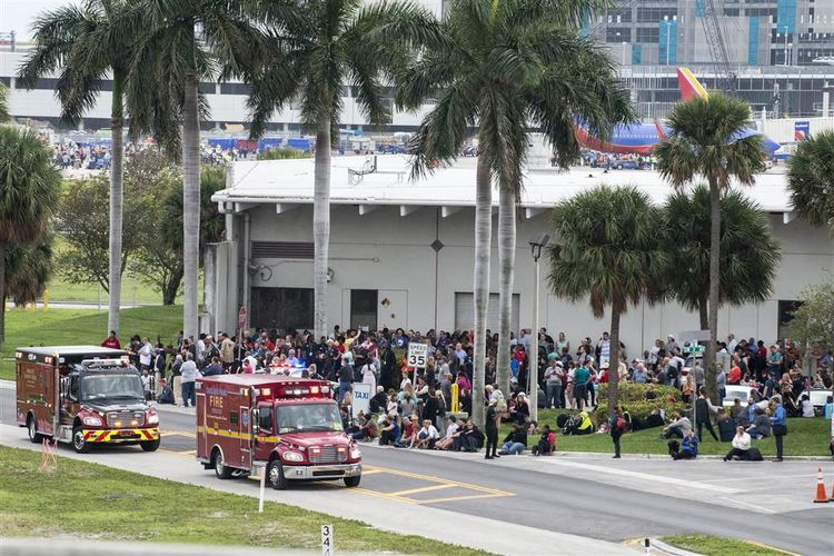 ss-170106-fort-lauderdale-shooting-18_5881797e4c17f046716343db312a989c.nbcnews-ux-1024-900