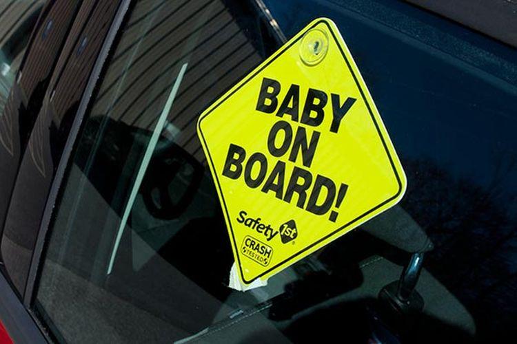 CR-Cars-Inline-Baby-On-Board-Car-05-16