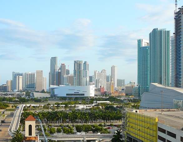 Downtown_Miami_from_north_20080408