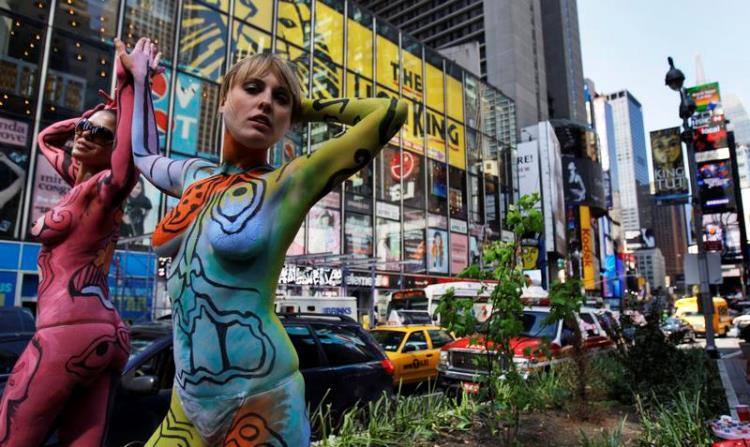 times-square-body-paint-2010-5-6-18-41-12