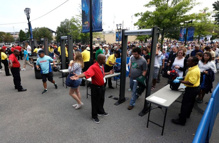 082613-sports-us-open-tennis-security-fans