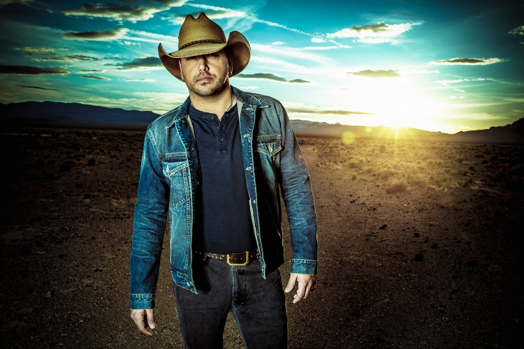 Jason-Aldean-press-photo-2016-02-billboard-1548