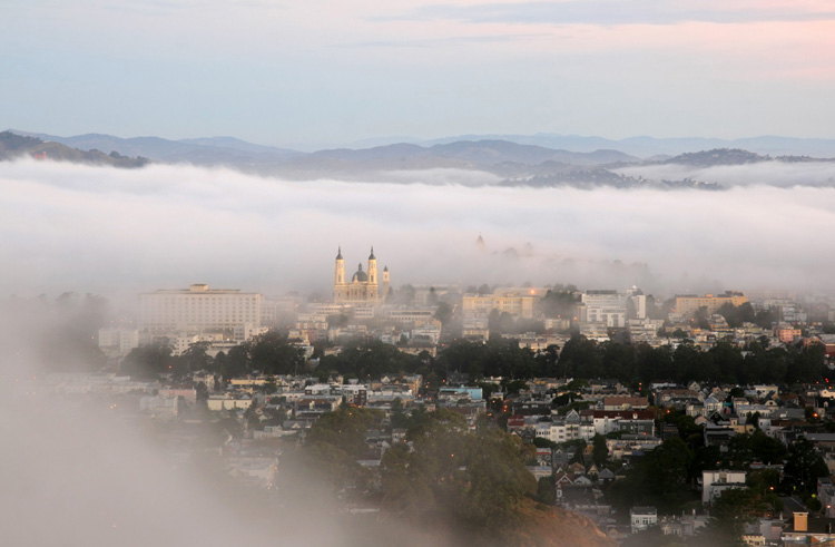 Early_morning_fog_over_San_Francisco_and_Golden_Gate_Bridge_copy_Perspective_corrected