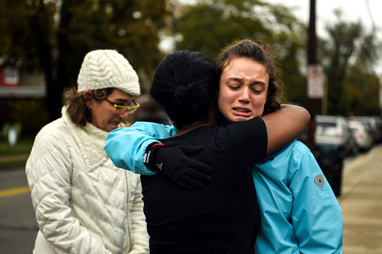 3fedfbf3-444b-4aa8-b897-066d2bac8208-AP_Mass_shooting_at_Tree_of_Life_Congregation_in_Pittsburgh