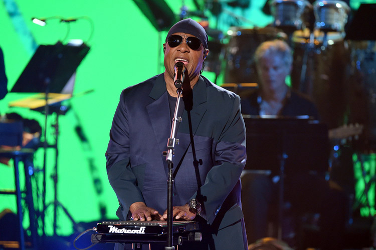 05-Stevie-Wonder-oct-2017-a-billboard-1548