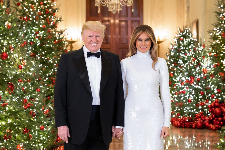 668f3c80-1351-4207-9391-5c6d9ceac3e4-XXX_TRUMP_CHRISTMAS_PORTRAIT_dec_512